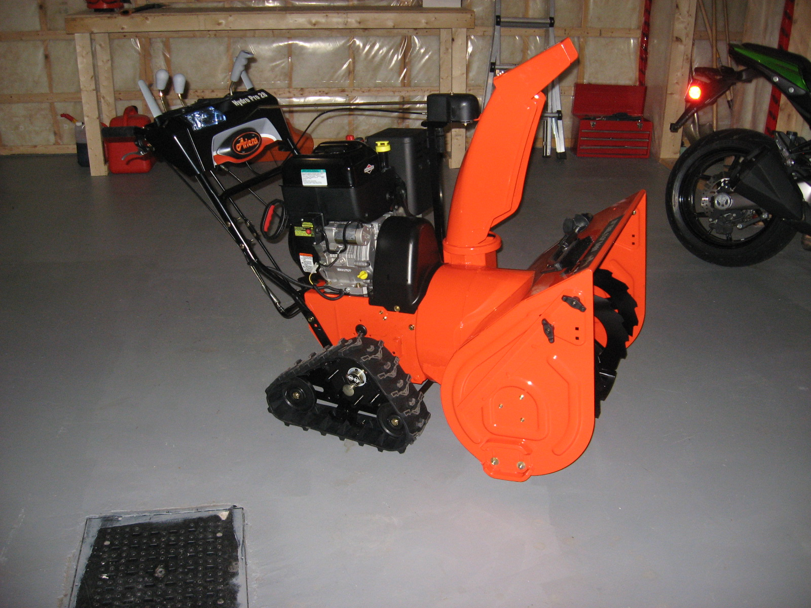 Ariens   Track Series Snow Blower Features & Models