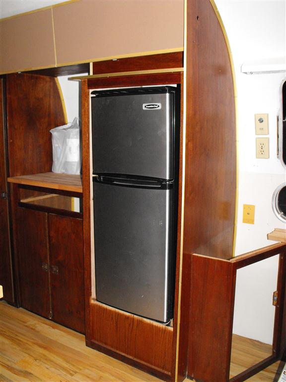 1969 Airstream Sovereign More On The Floor And Cabinet Doors