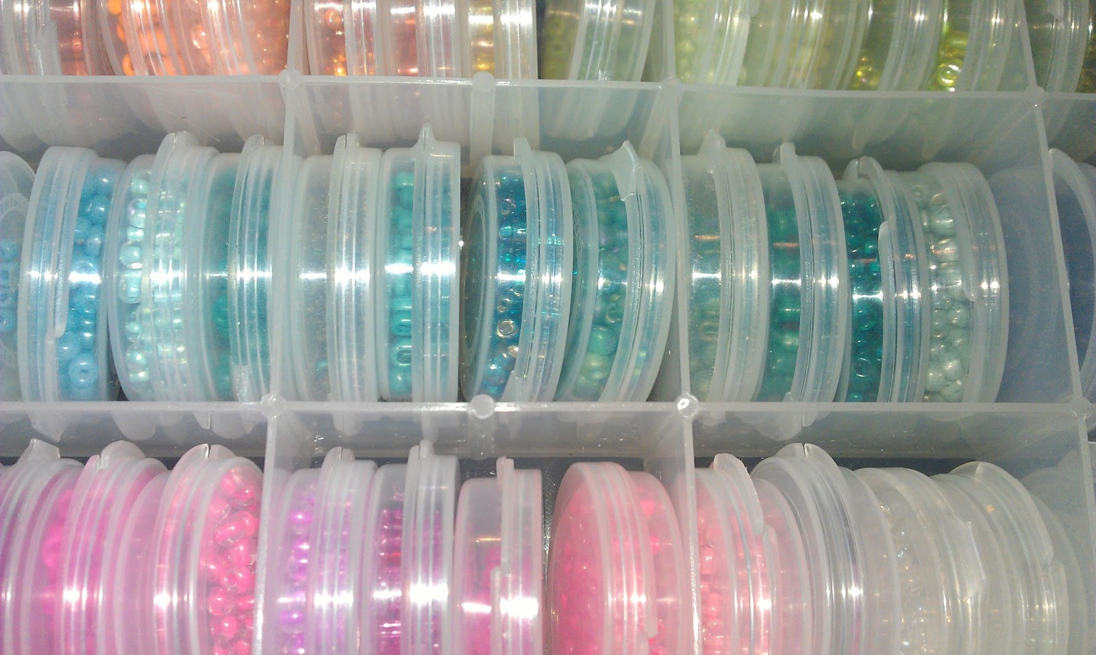 Then I found that they fit perfectly in a Curved Compartment Storage Container from Hobby Lobby. I love when things are organized by color so I spent hours ... & Seed Bead Organization - Color.Paint.Create.
