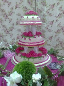 WEDDING CAKE (STEAM BUTTERCREAM)