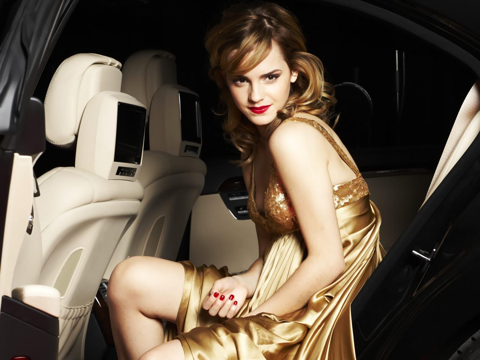 Beautiful Emma Watson Hot HD Image