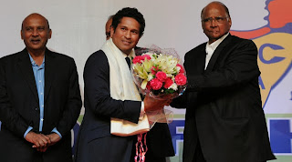 Sachin-Tendulkar-felicitated-at-MCA-event