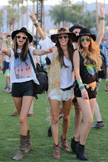 Alessandra Ambrosio and her friends