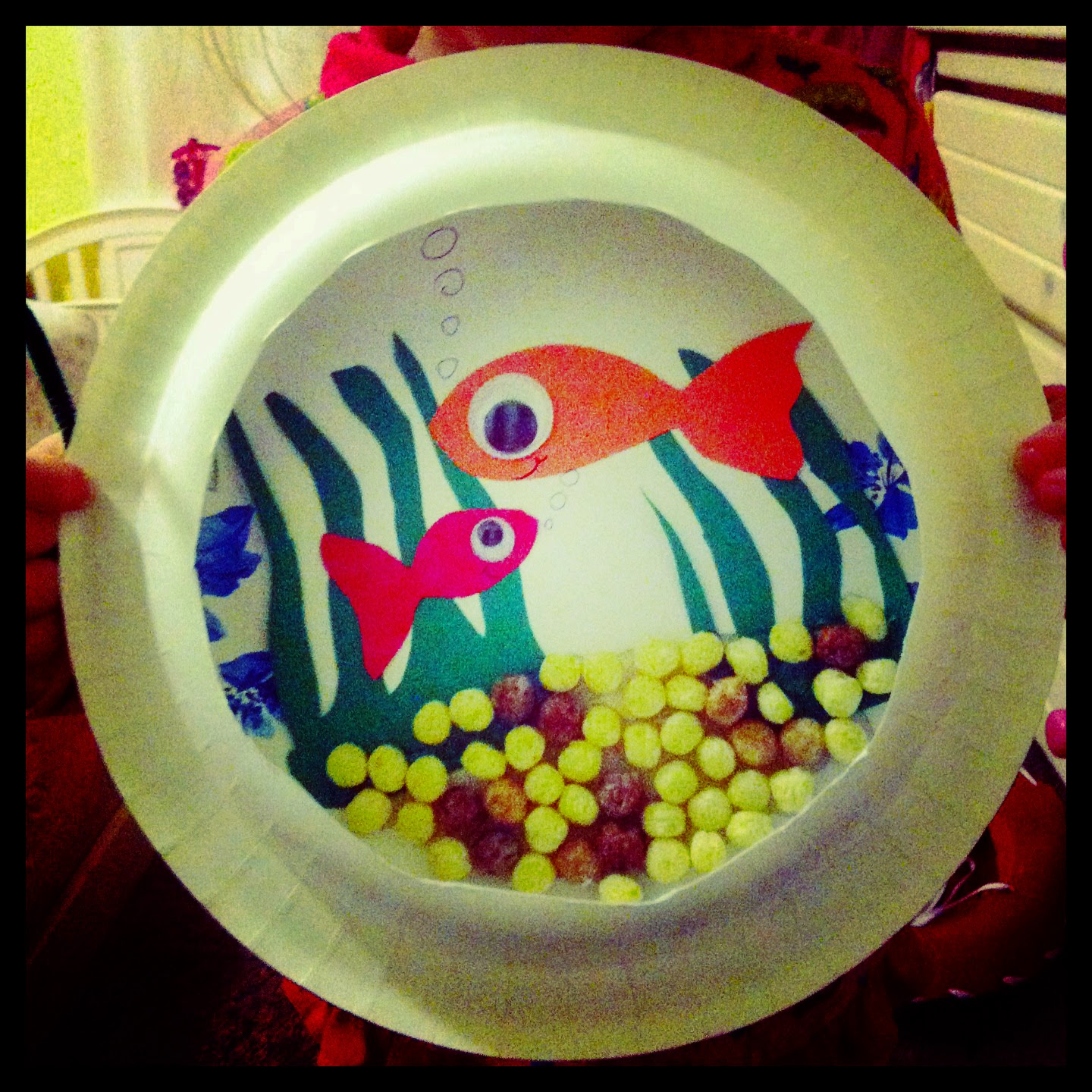 MunchkinTime: Paper Plate Fish Aquarium Craft