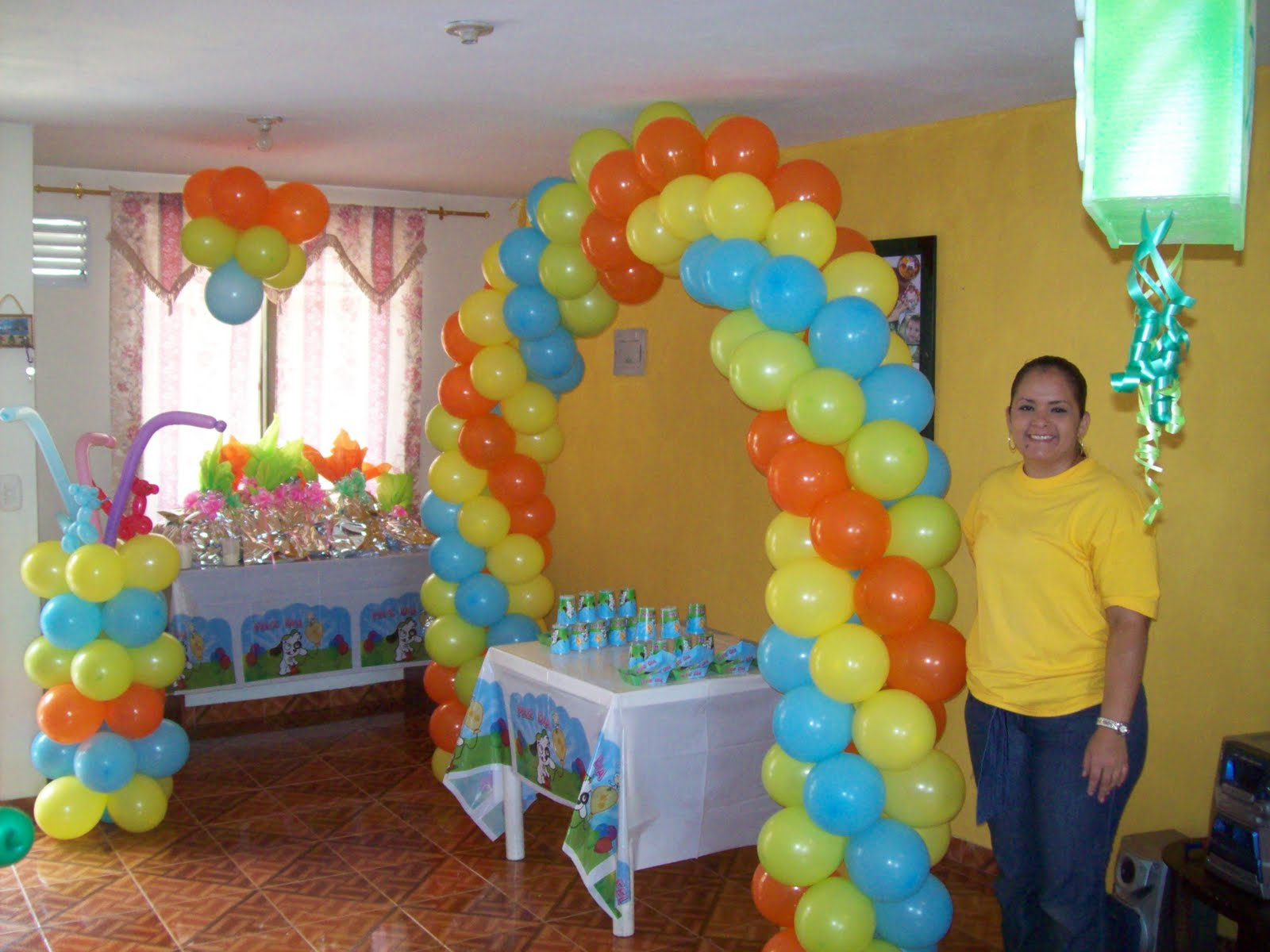 Decoraciones con globos para fiestas infantiles imagenes for Decoracion pared infantil
