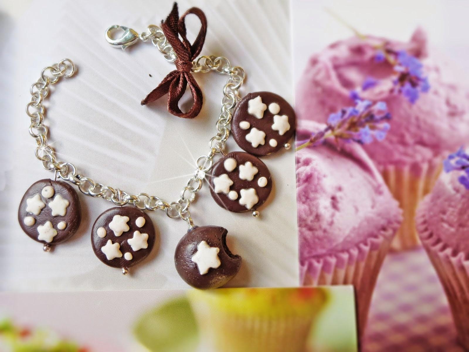 E se i dolcetti vi piace anche indossarli date un'occhiata qui!!