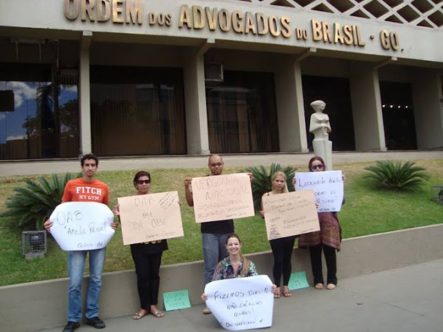 Examinandos de todo o Brasil manifestaram-se e tiraram fotos nas seccionais da OAB