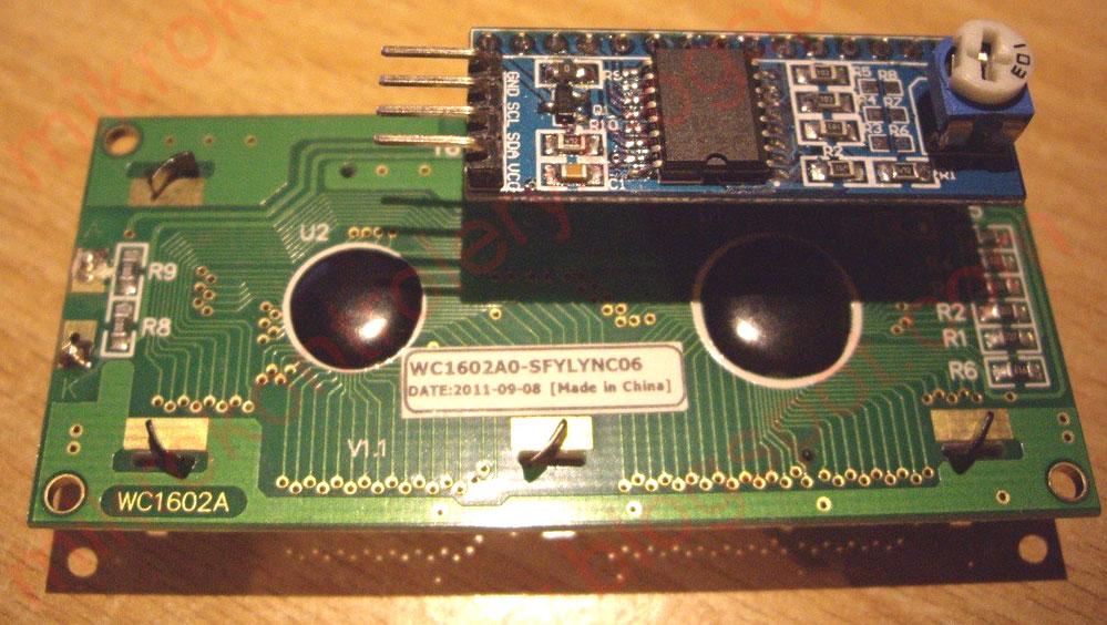 Wyświetlacz z adapterem (konwerterem) I²C (TWI)