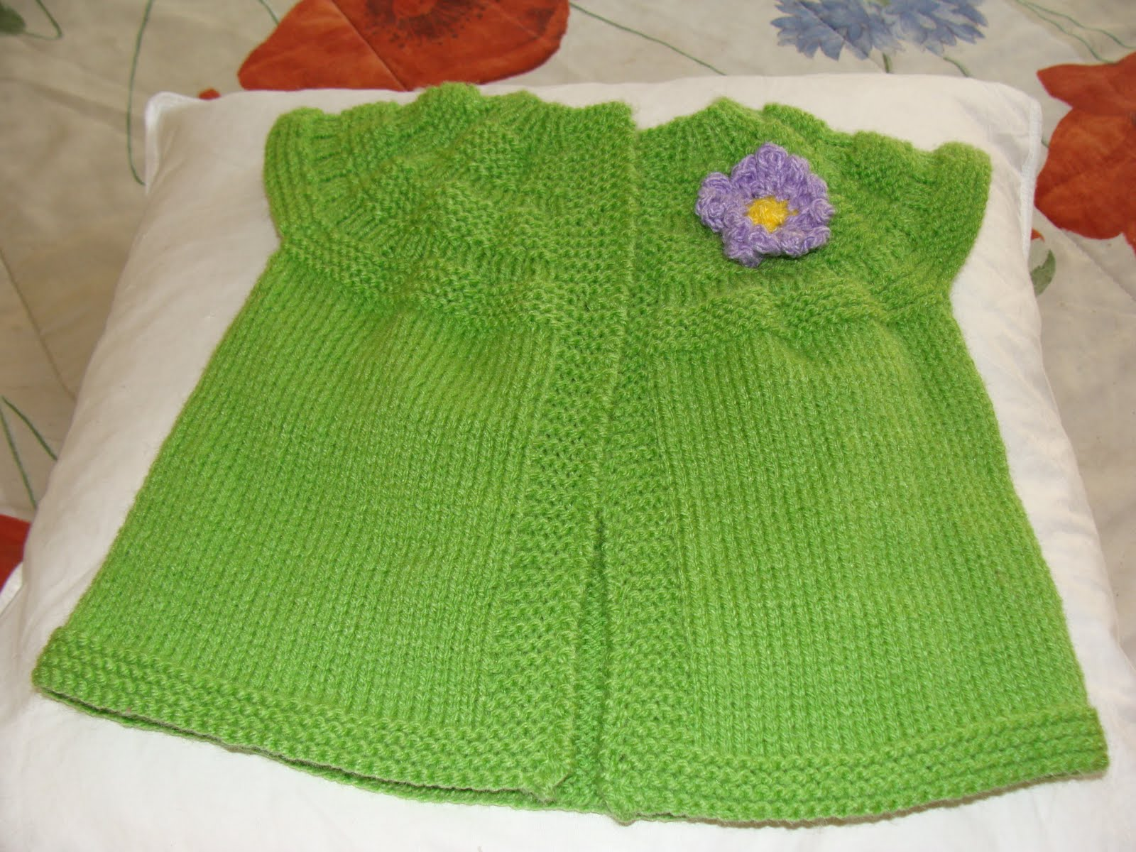 Chaleco (saquito) para bebe 6-12 meses tejido en lana a palillos con