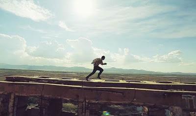 Zombie Parkour - The Flipping Dead - Короткометражный фильм Красивое сочитание паркура и зомби-апокалипсиса