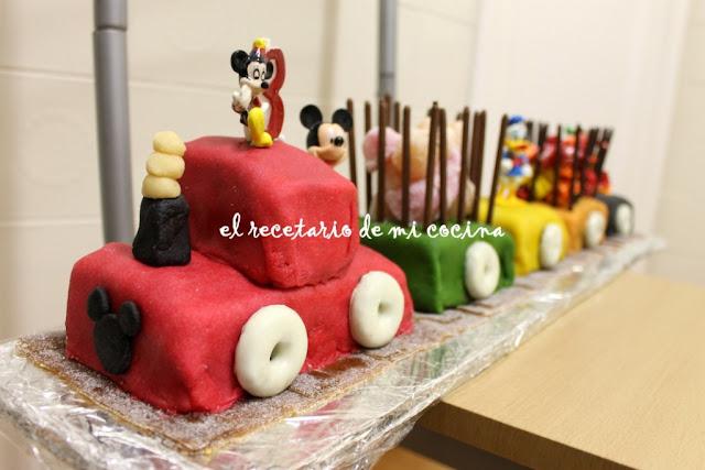 cobertura de mazapan y tarta tren de mickey
