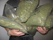 . de 85 kilos de marihuana con un valor de medio millón de euros.