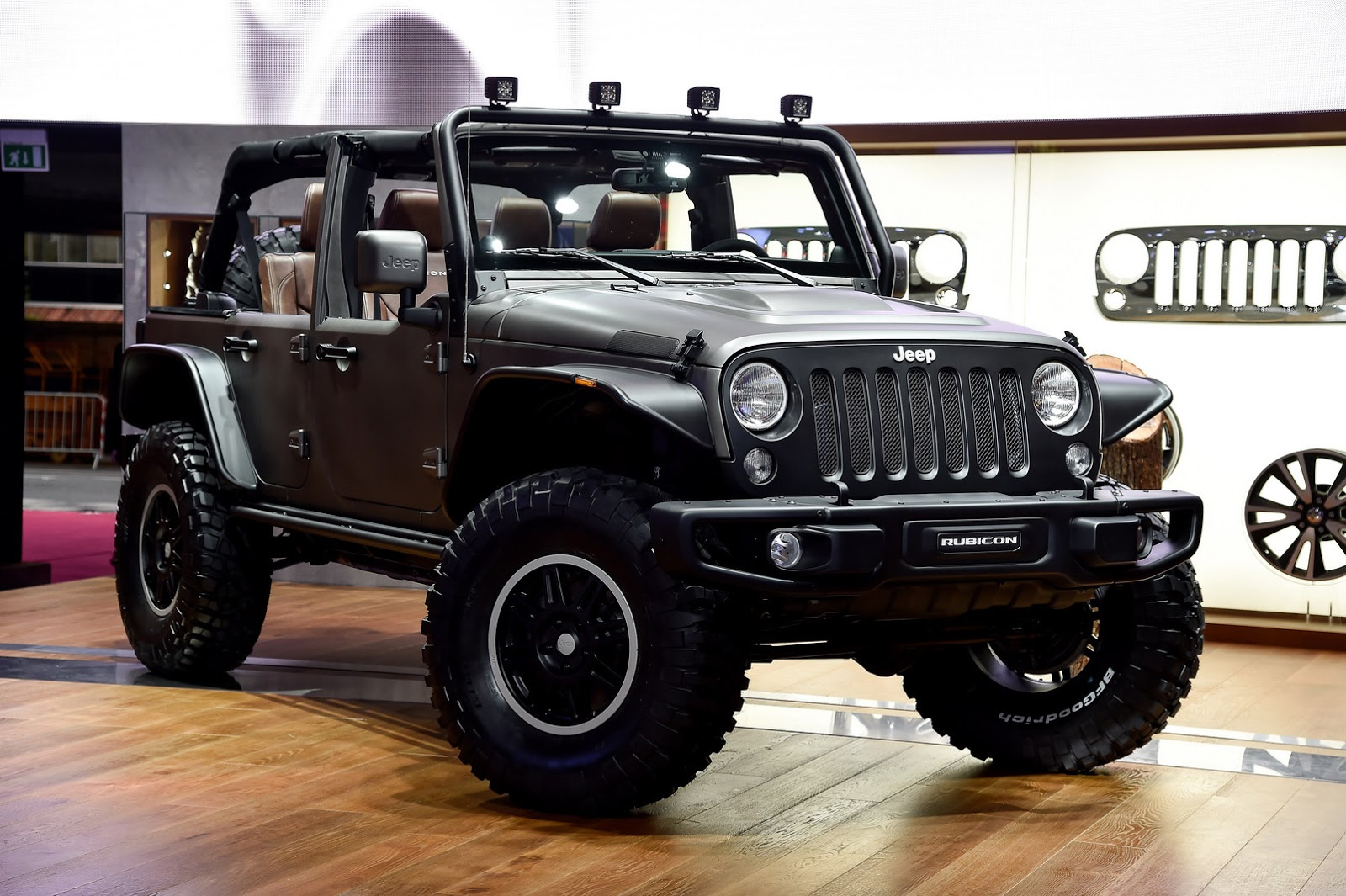 jeep 39 s new wrangler unlimited rubicon stealth study and x special edition carscoops. Black Bedroom Furniture Sets. Home Design Ideas