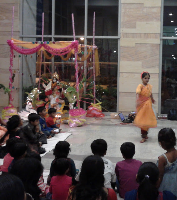 classical Indian dance by girl
