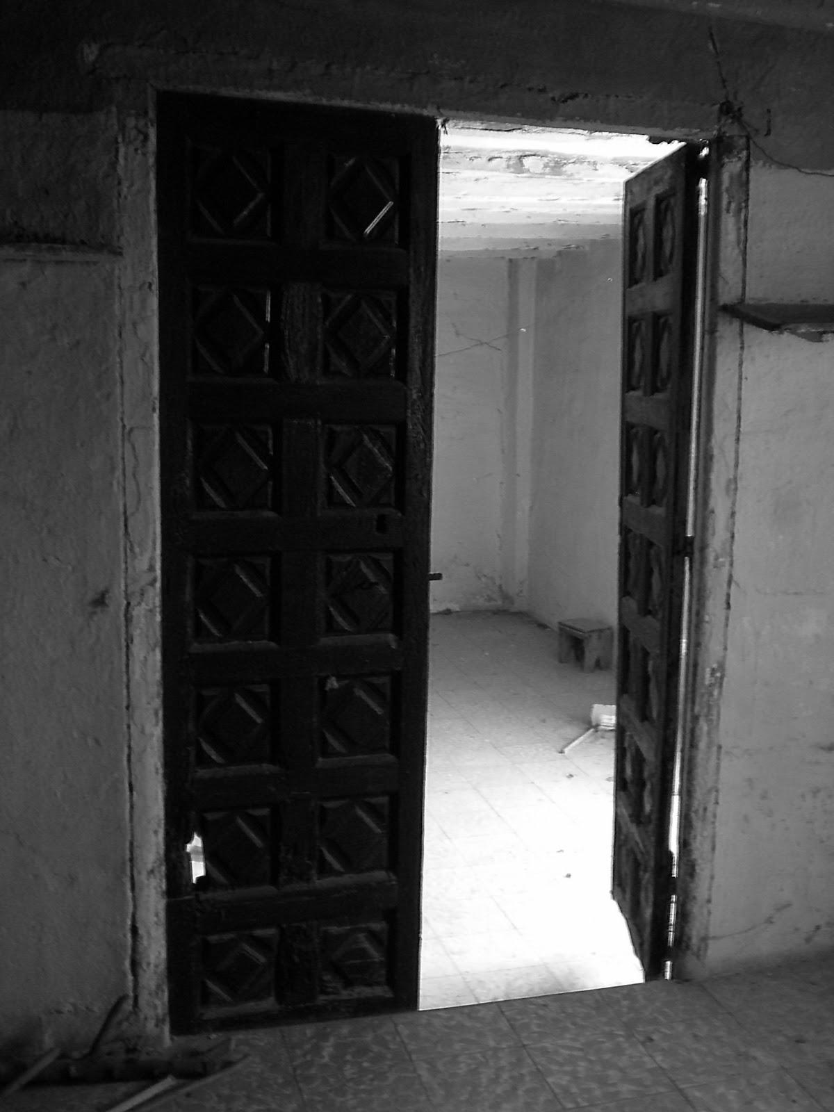 Puerta palacio aragonés cuarterones