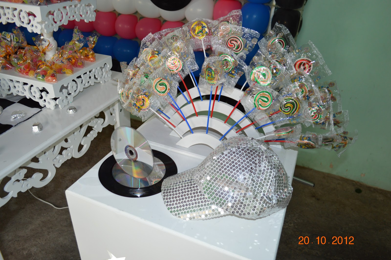 decoracao festa balada infantil:KIKA BACANA FESTAS: Balada Teen
