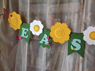 MidnightCrafting.com Easter Cross Banner Spring Daffodil Flower Floral Framelits