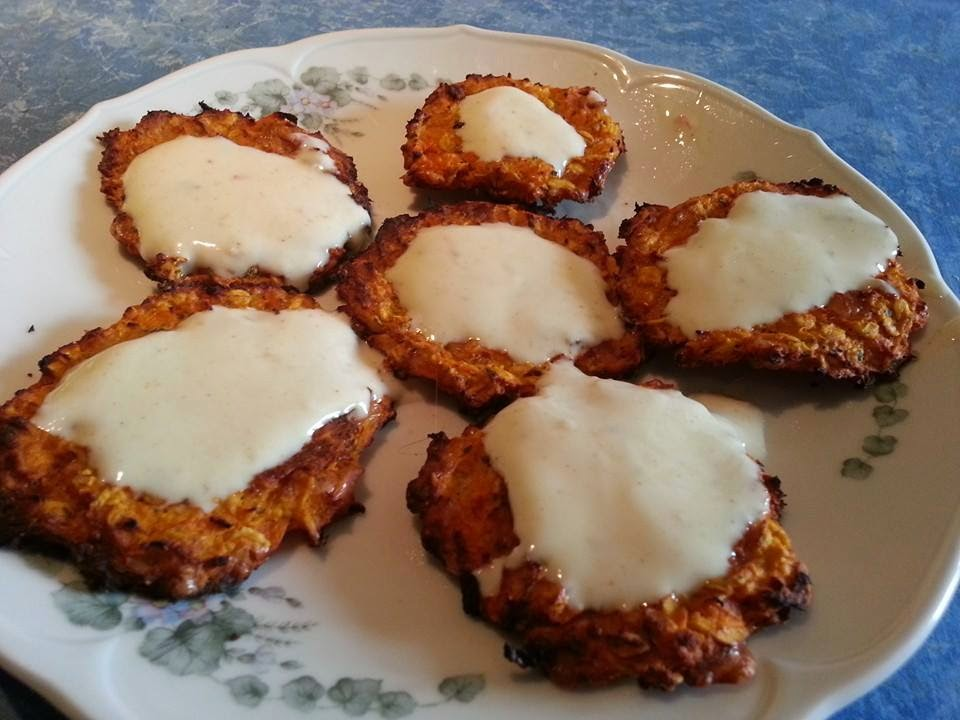Lecker und kalorienarm kochen karottenbratlinge mit curry for Kochen kalorienarm