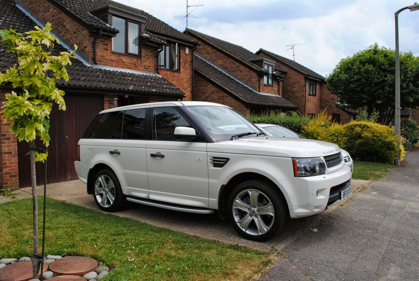land rover range rover hse wallpaper prices features wallpapers. Black Bedroom Furniture Sets. Home Design Ideas