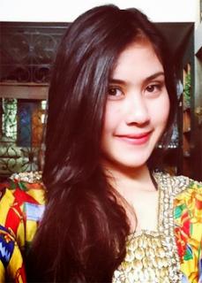 Foto Cantik dan Seksi Biodata Syahnaz Shaadiqa