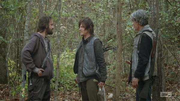 The Walking Dead 4x15 Daryl y su nuevo grupo