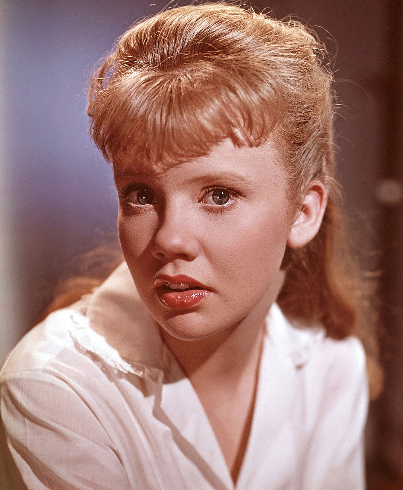 Hayley Mills - Ching-Ching And A Ding Ding Ding
