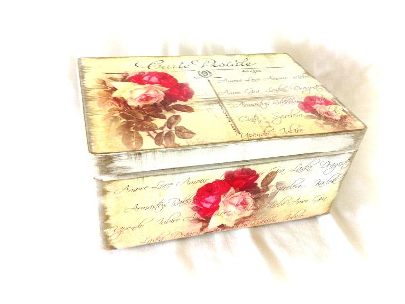 http://le-cose-animate.blogspot.ro/2014/09/amor-wedding-box-cutie-de-nunta.html