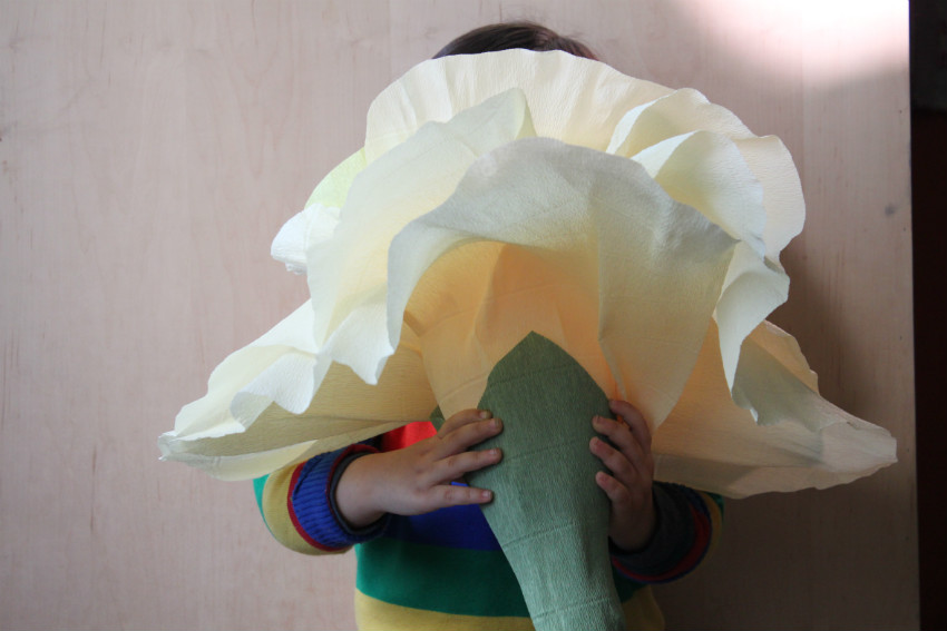 Corner blog giant paper flowers diy giant paper flowers diy mightylinksfo