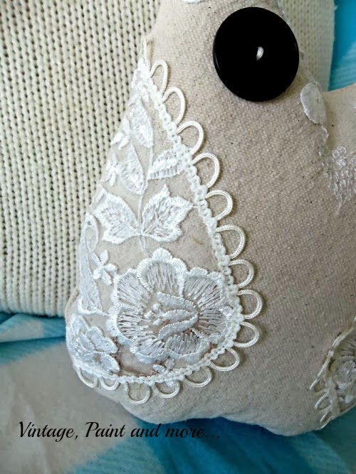 Drop Cloth Owl Pillow - lace wings with buttonhole trim sewn to sides of pattern