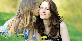Cara Sederhana Membahagiakan Ibu Dihari Ibu
