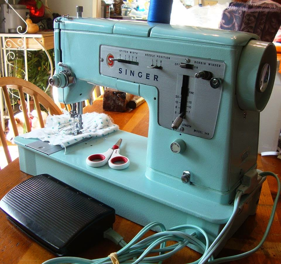 Modern day laura singer 348 style mate sewing machine it was quite clear at first sight that this machine had not been touched in decades after i removed the layers of dust lint and grime a beauty emerged fandeluxe Gallery