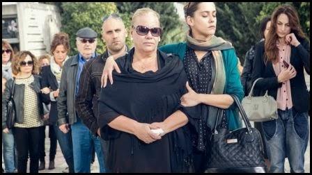 El entierro - Carmina y amén. (Paco León, 2014)
