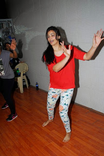 Actress Daisy Shah Pictures at New Years Eve Performance Rehearsals in Mumbai  14