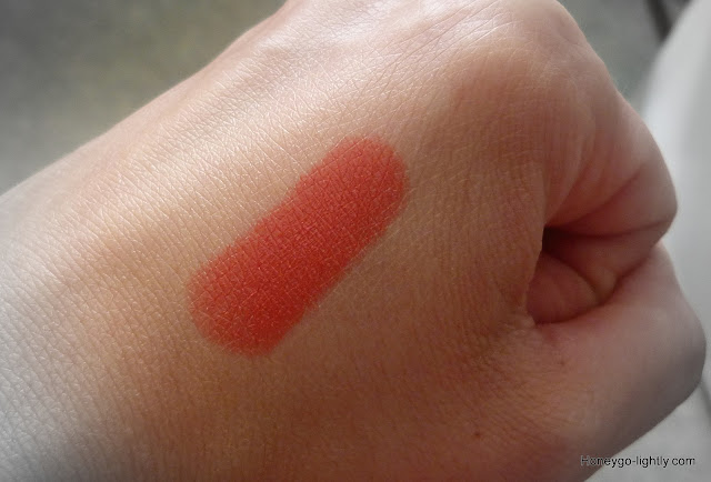 mac vegas volt swatch