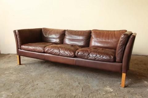 Sofa Table Google Image Result for http bp blogspot GLm IGQcU TwbeJUrAI AAAAAAAAHk aWpUrvMSw s brown Bleather Bsofa Bvia Bstrawser B u