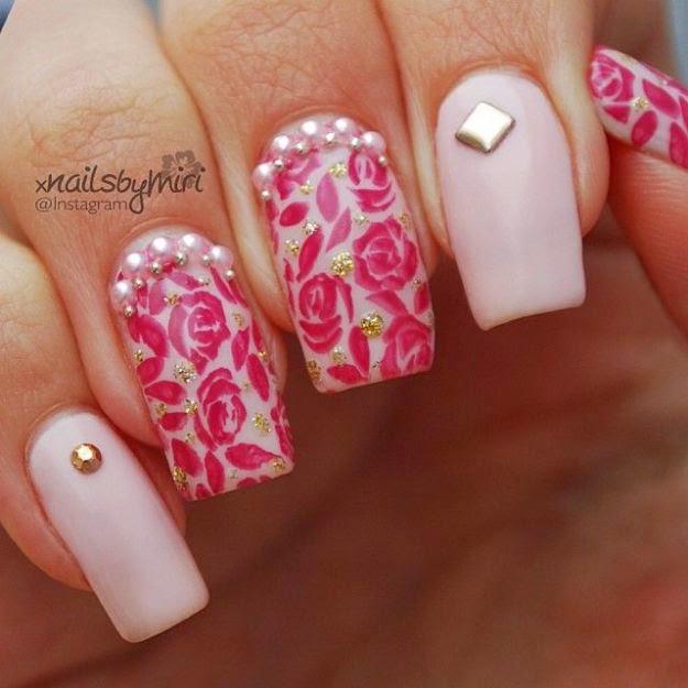 Nova tendência de unhas decoradas e passo a passo da decoração com pérolas