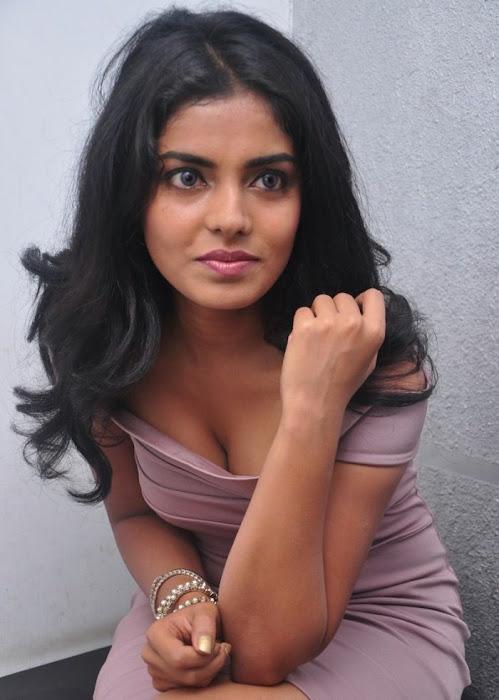 janavi actress pics