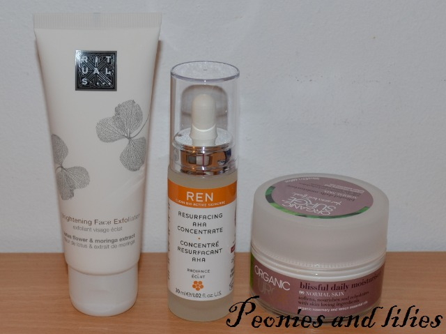 Rituals brightening face exfoliator, Ren resurfacing AHA concentrate, Organic surge blissful daily moisturiser for normal skin, Rituals exfoliator, Rituals skincare, Rituals brightening face exfoliator review, Ren resurfacing aha concentrate review, Organic surge moisturiser, organic surge blissful daily moisturiser review