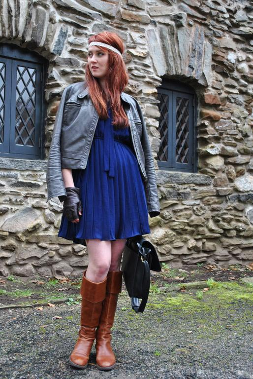 fall fashion, boots, leather gloves, satchel, gillette castle, outfits