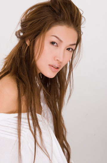 Malaysian Celebrity Model Amber Chia-14