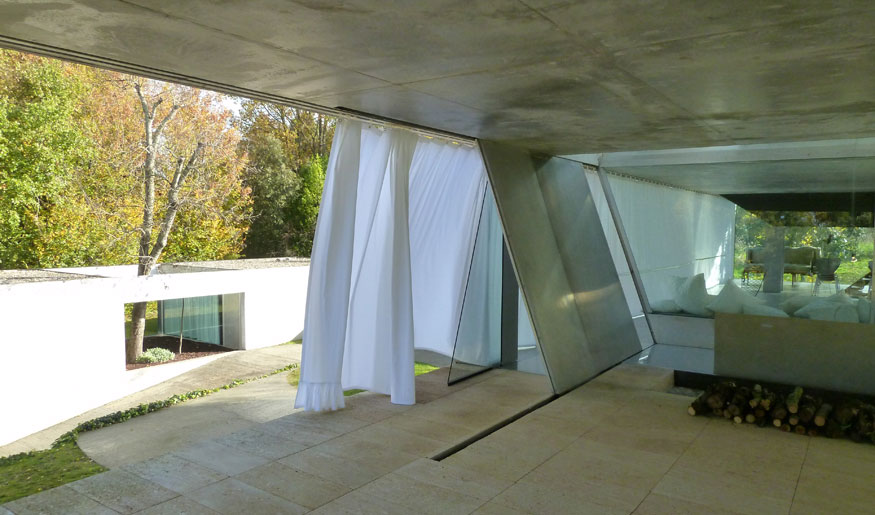Inside outside a f a s i a for Maison bordeaux