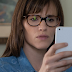 Homens, Mulheres e Filhos: Veja Jennifer Garner e Ansel Elgort em clipes legendados