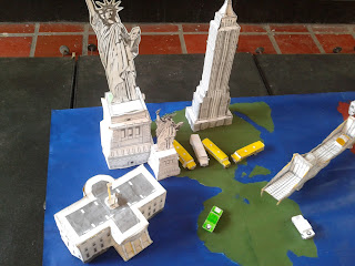 estructuras en papal de la pagina papertoys ya armadas o terminadas