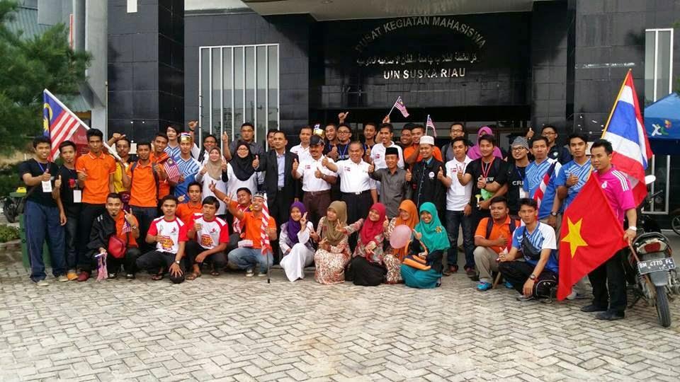 Bersama pelajar pelajar perak di Universiti Islam Pekan Baru Riau