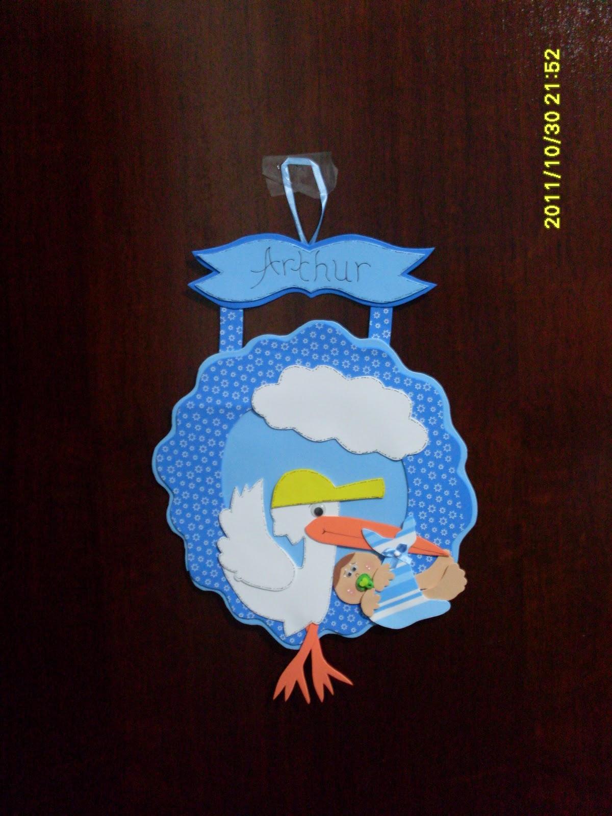 Artes em e v a guirlandas beb porta maternidade quarto for O rapaz a porta