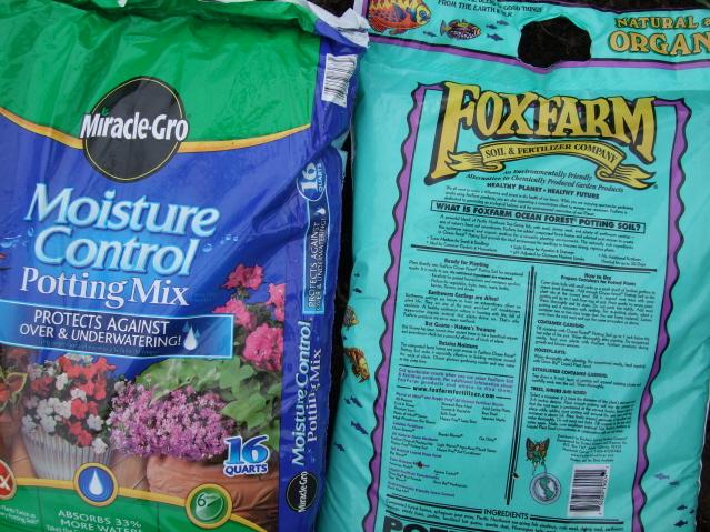 a soil walmart in potting moisture miracle bag of garden control gro