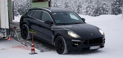 Spyshots: 2014 Porsche Macan Winter Testing