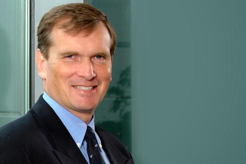 Bas kasteel joins hyundai motor europe as vice president for Hyundai motors customer service