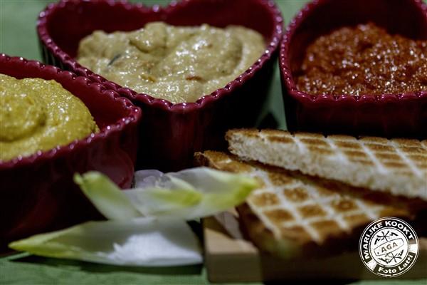 Libanese Hummus - Tikka Massala Hummus - Tapenade paprika en walnoten