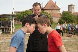 """Cena do filme """"A Guerra dos Botões"""" de 2011"""